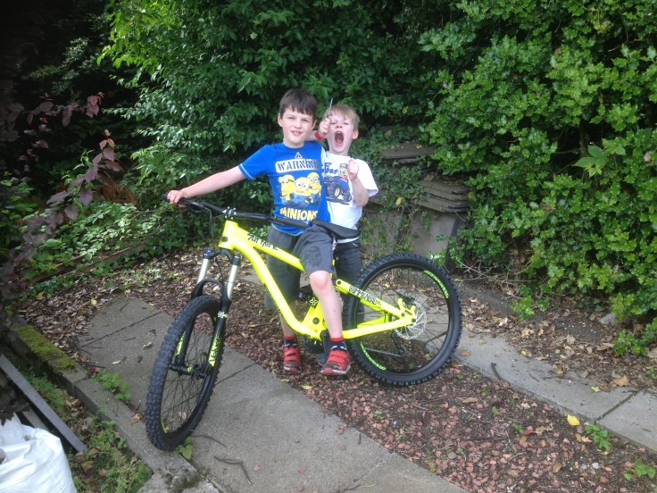 Mini Mountain Bikers with Commencal DH Supreme 24